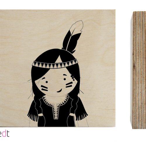 zoedt hout print van een indianen meisje