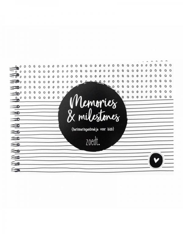 Herinneringsboekje van het merk Zoedt. memories en milestones