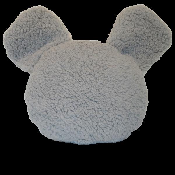 Handgemaakt kussen in de vorm van een schaapje. van het merk Tutsje Designs.